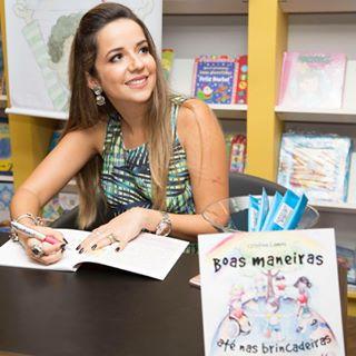 Feira de Livros e Tarde de Autógrafos com Cristine Lemos