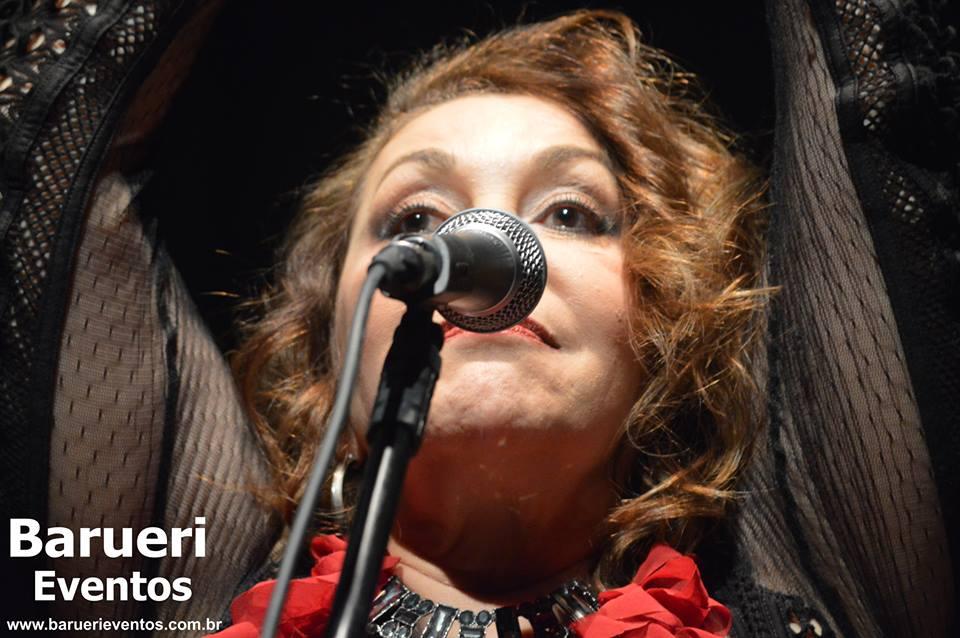 Show de Vânia Bastos em Carapicuíba