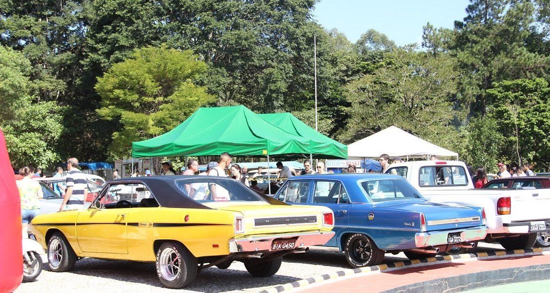 Antigos & Especiais Alphaville – Exposição de motos e carros antigos