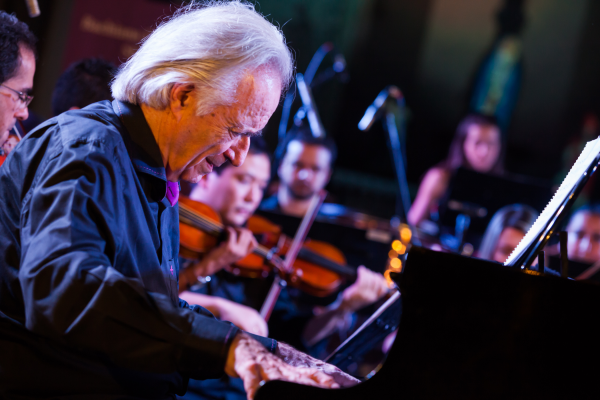 Bachiana Filarmônica SESI SP se apresenta com a regência do Maestro João Carlos Martins em Osasco