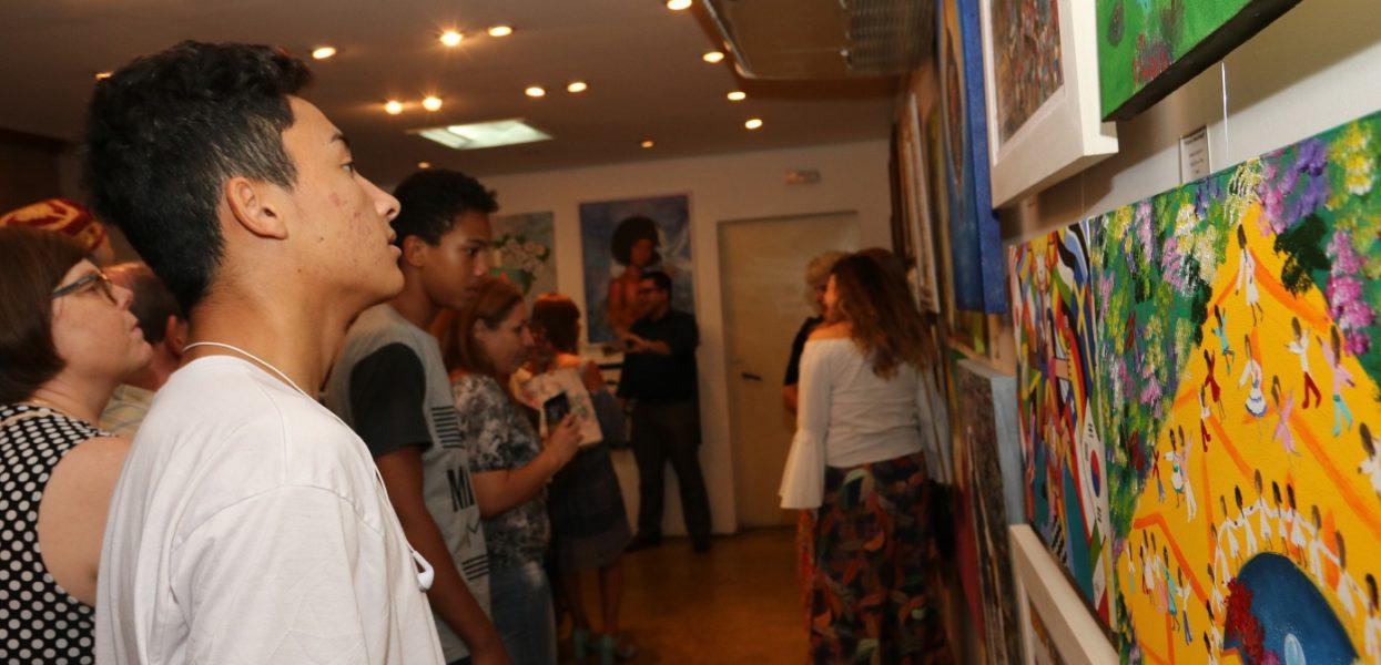 """Exposição """"Por um País de Paz"""" no Museu de Barueri"""